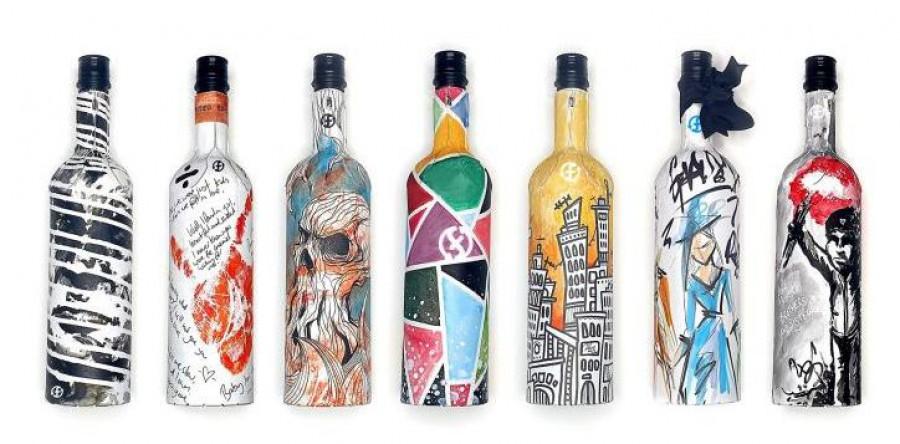 Những chai rượu bằng giấy độc đáo đang ngày càng trở nên thiết thực