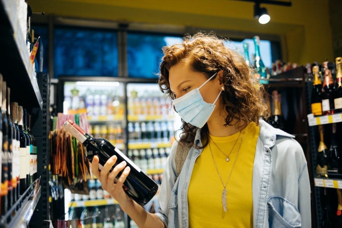 Làm sao chọn mua rượu vang an toàn & tiện lợi giữa mùa dịch covid 1?